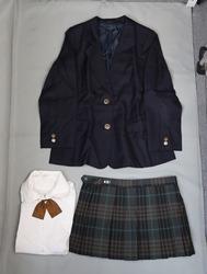 日本の学校の制服(明治学院高校)