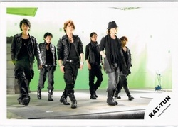 🍀 KAT-TUN・・【公式写真】・・集合  ☆・・ kaf (fg) ◇ ジャニーズ公式グッズ ジャニショ販売