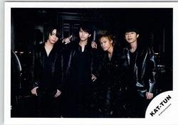 🍀 KAT-TUN・・【公式写真】・・集合  ☆・・ kaf (kas) ◇ ジャニーズ公式グッズ ◇ コンサート会場販売